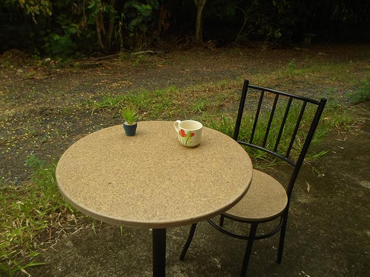ชุดโต๊ะกาแฟจากกากเบียร์      Coffee Table set from Beer's Waste