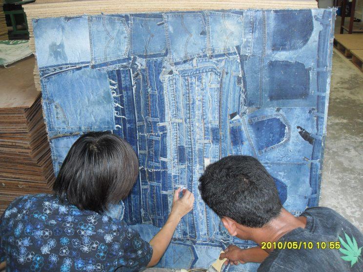 ผ้ายีนส์อัดแผ่น           Used Denim Board